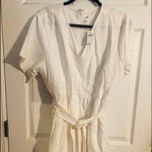 NWT White Gap Dress - Size 18